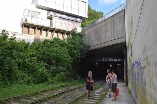 Wasserkaskaden Kassel das motiv höhle auf der dokumenta in kassel